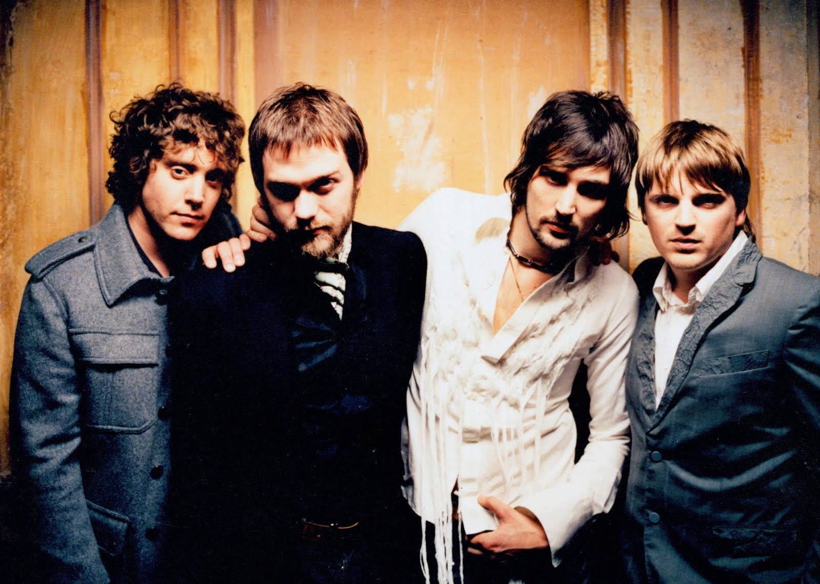 Kasabian – Switchblade Smiles