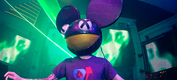 "deadmau5 se pasa al techno en ""Sunspot (White Space Conflict)"""