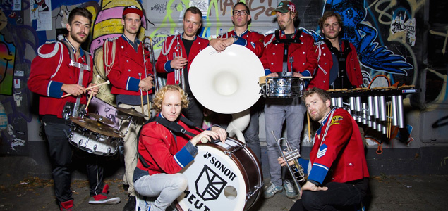 "La ""Techno Marching Band"" MEUTE, versiona el ""Mental Help"" de Gonçalo"