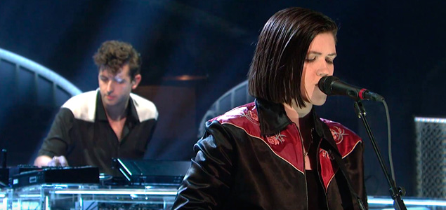 "The xx estrena nueva canción ""I Dare You"" en Saturday Night Live"